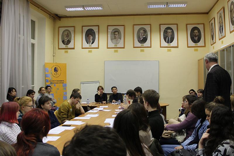 http://www.wochikochi.jp/foreign/armenia_russian_literature01.jpg
