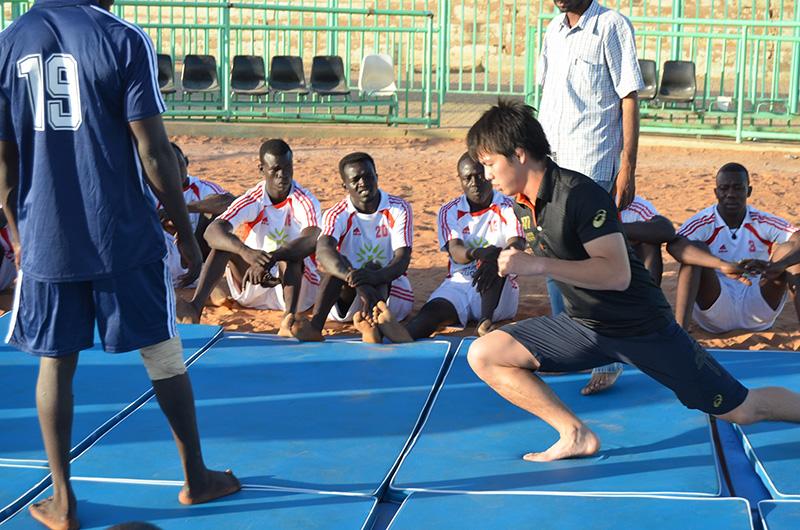 http://www.wochikochi.jp/foreign/sudan_wrestling01.jpg