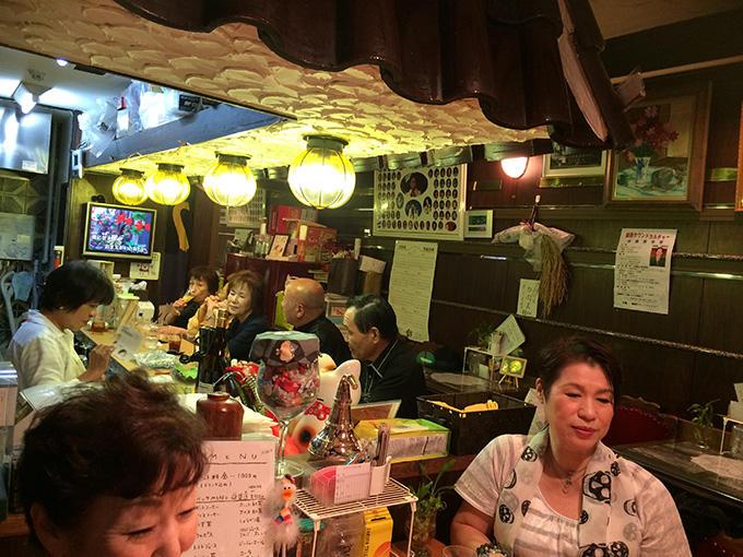 http://www.wochikochi.jp/relayessay/karaoke_kissa_01.jpg
