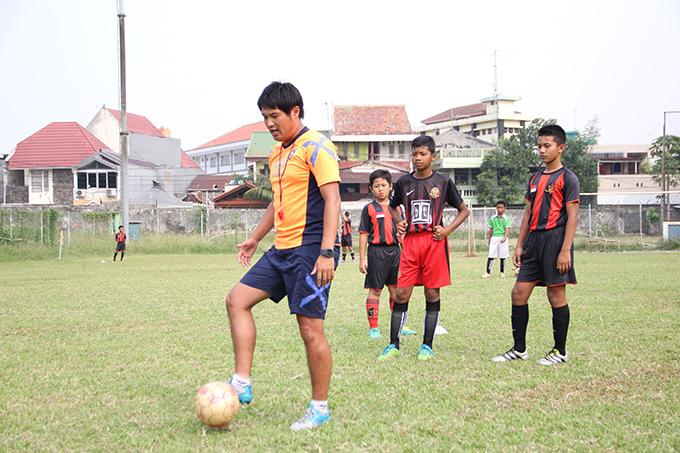 http://www.wochikochi.jp/report/japan-Indonesia-soccer_03.jpg
