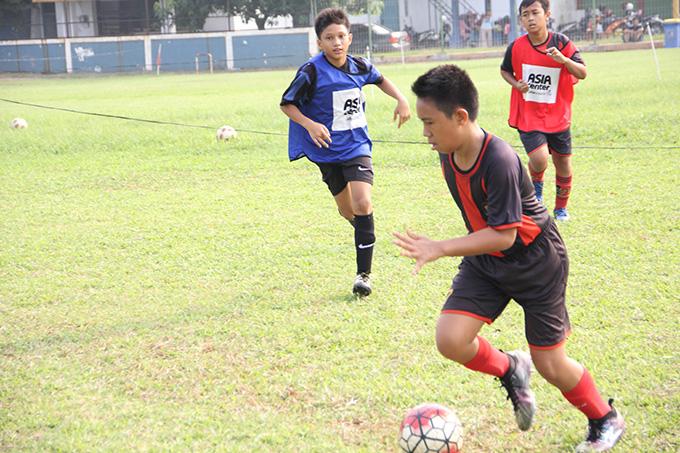 http://www.wochikochi.jp/report/japan-Indonesia-soccer_05.jpg
