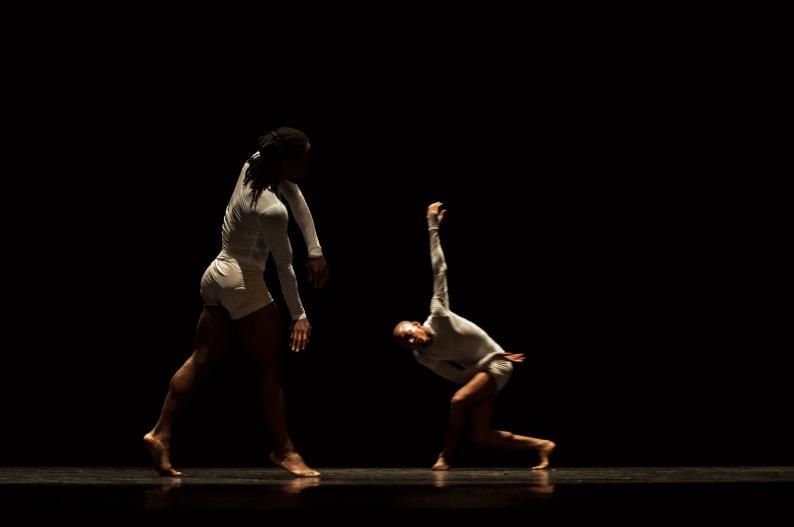 http://www.wochikochi.jp/topstory/teshigawara-acosta-danza_05.jpg